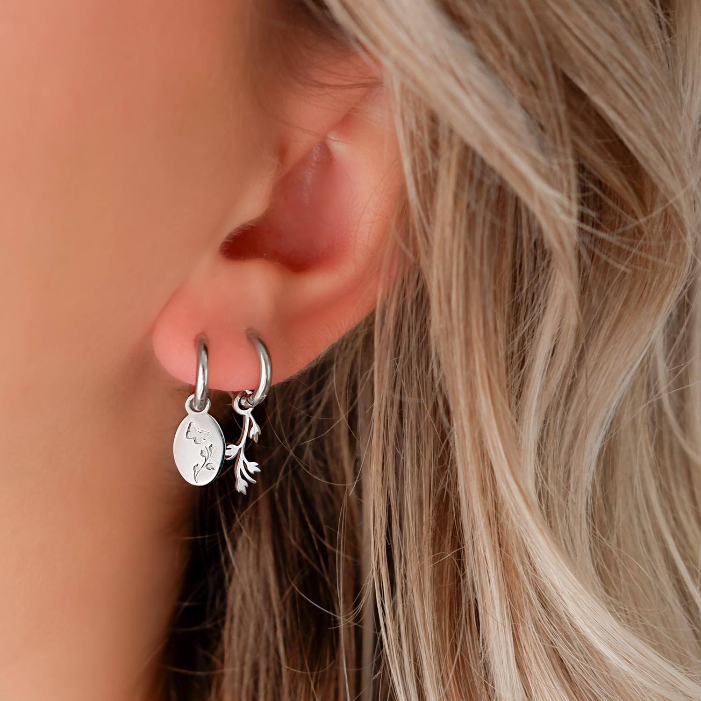 Trendy oorbellen in het oor voor een complete look om te kopen