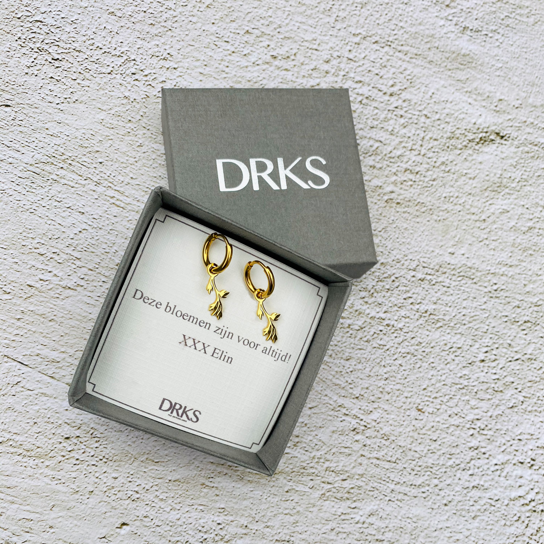 Gouden leaves oorringetjes in sieradendoosje met persoonlijke tekst