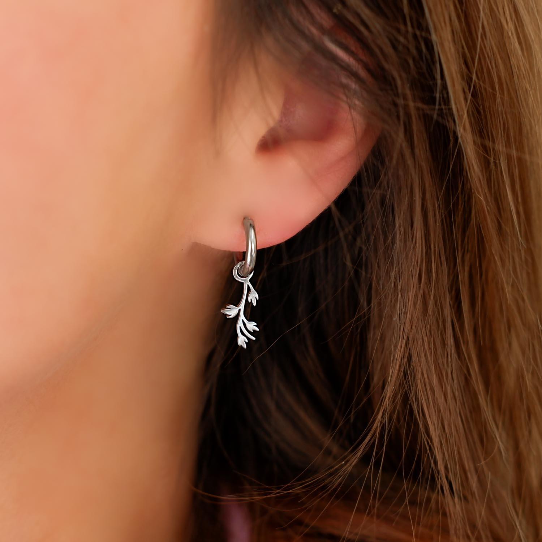 Trendy oorbellen met blaadjes om te kopen