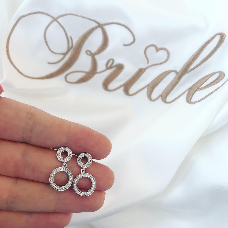 Ronde minimalistische oorbellen voor de bruid