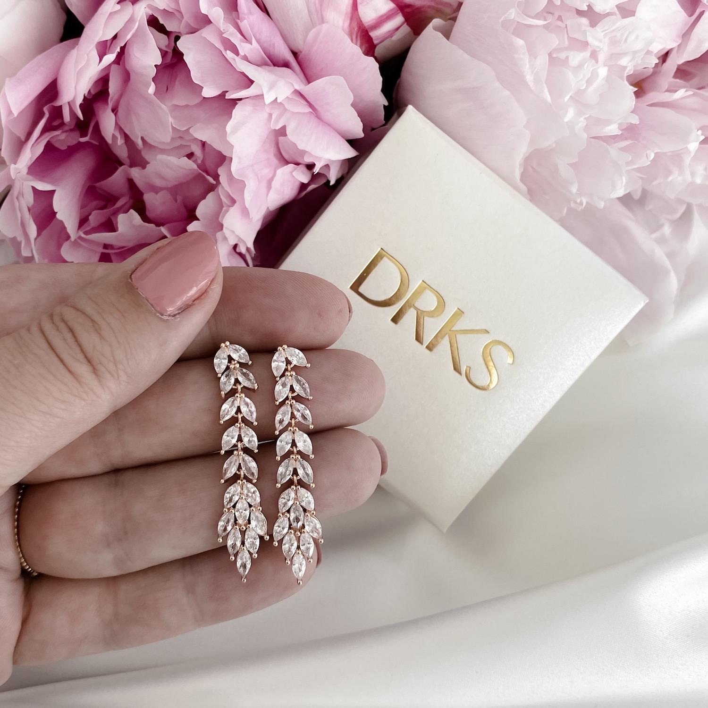 Rose gouden lange oorbellen met sieradendoosje