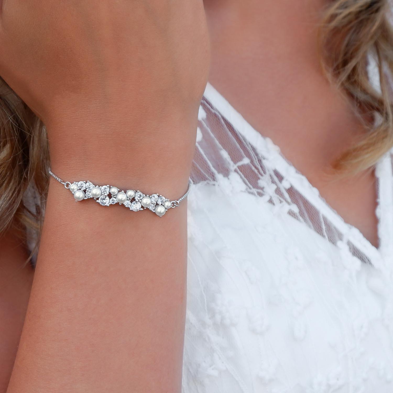 Bruids armband met parels voor een trendy look