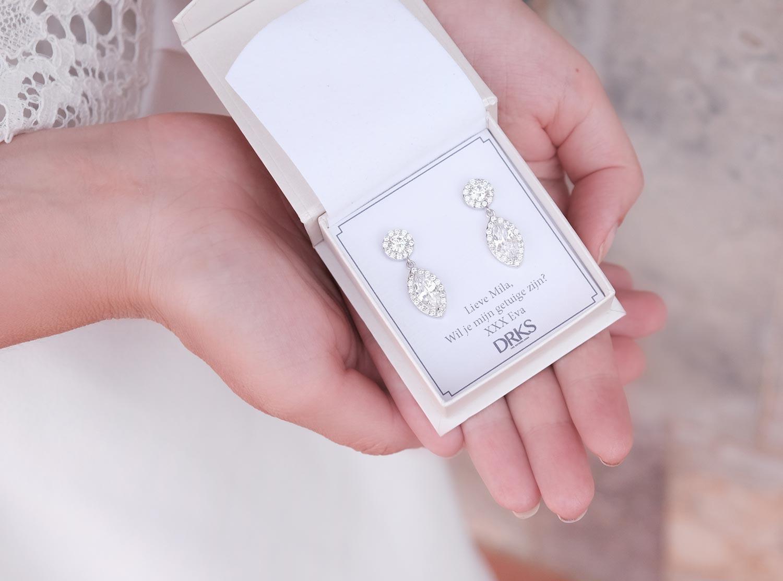 Oorbellen cadeau geven met een persoonlijke tekst