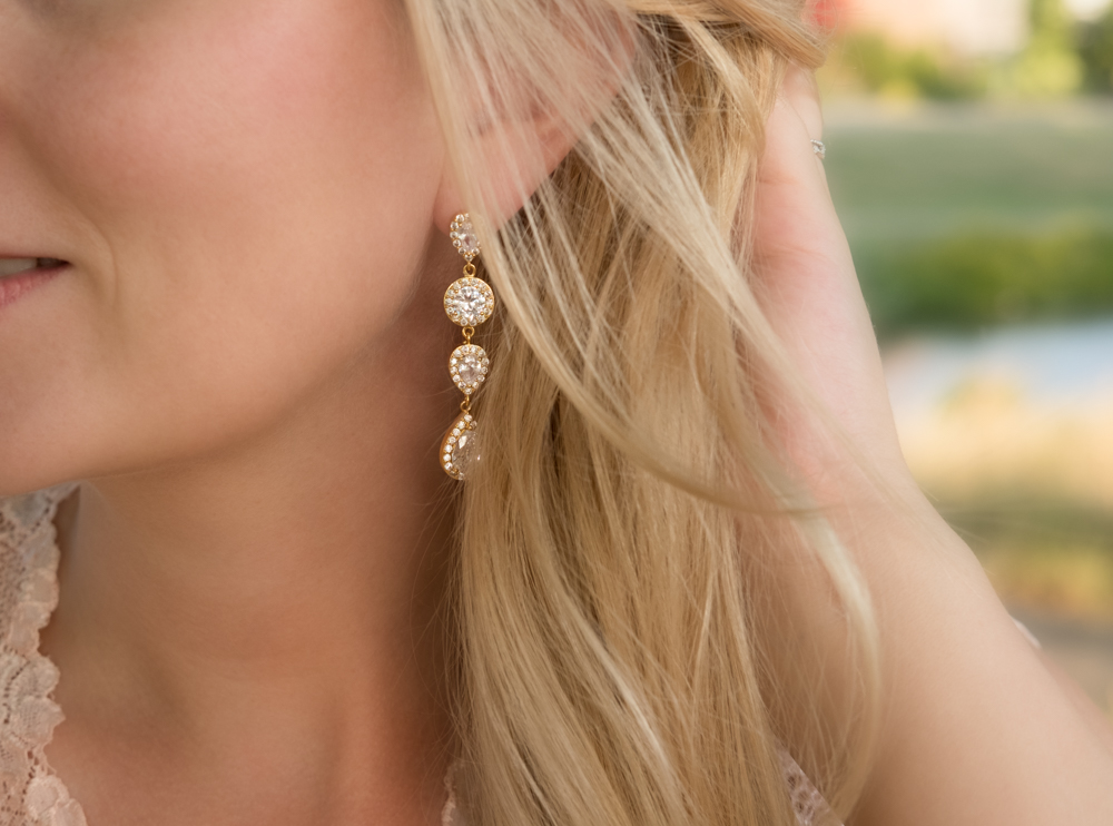Daily Luxury Earrings XI Gold