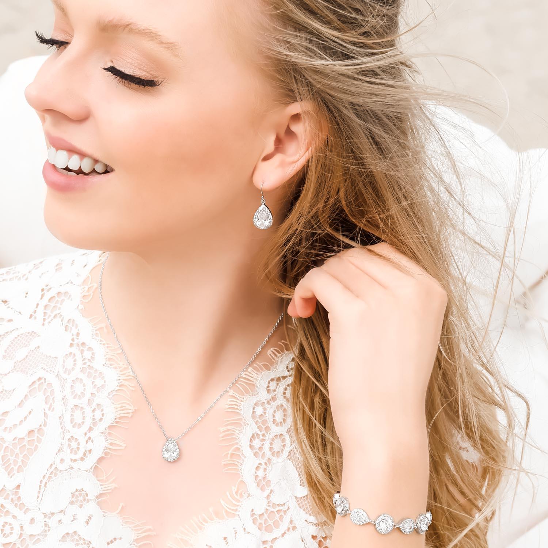 Prachtige sieradenset voor de bruid om te dragen