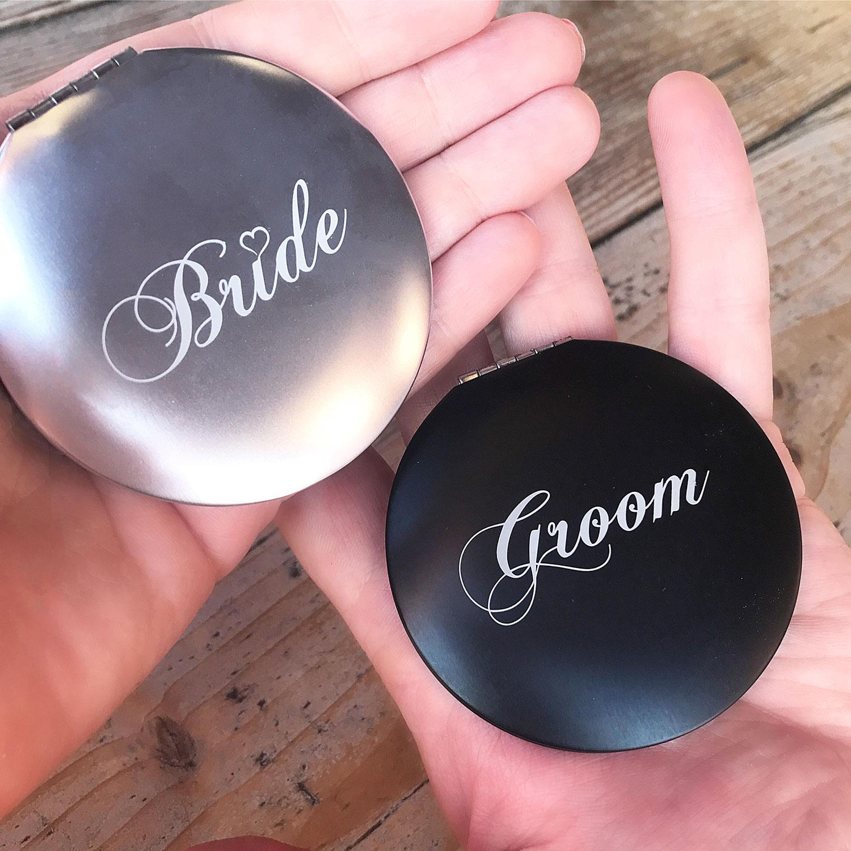 Bride and groom handspiegel voor de mannen