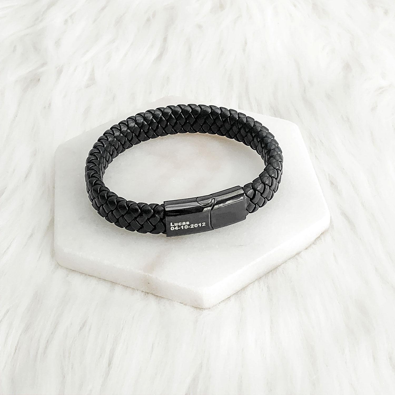 Stoere leren armband speciaal voor hem om te kopen