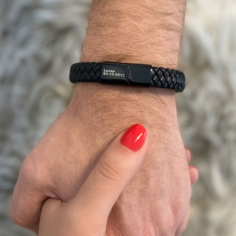 Stoere leren armband voor de man om de pols