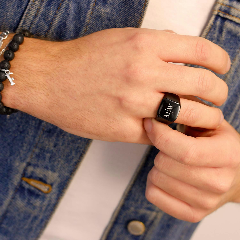 Trendy heren ring om de hand voor de mannen