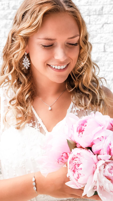 Prachtige sieradenset voor de bruid om te kopen