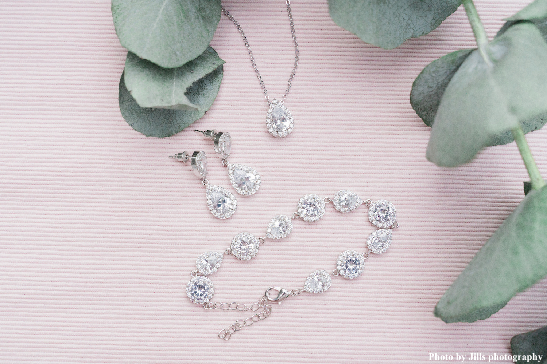 Zilveren daily luxury set voor de bruid