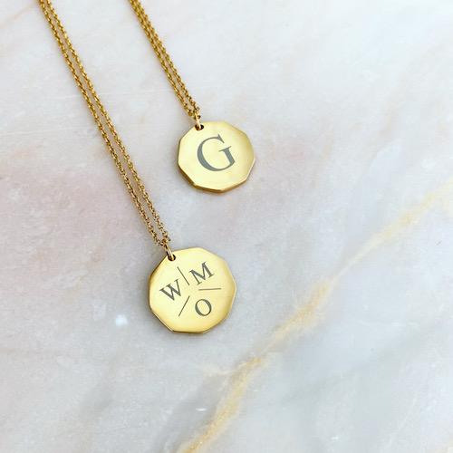 initialen kettingen goud kleurig