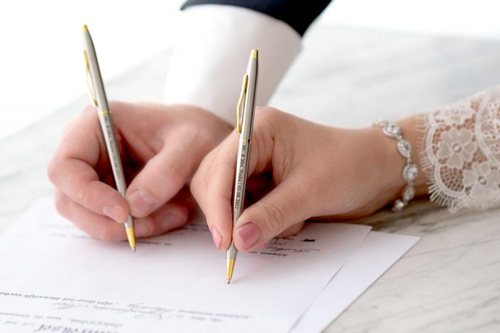 pennen voor het bruidspaar