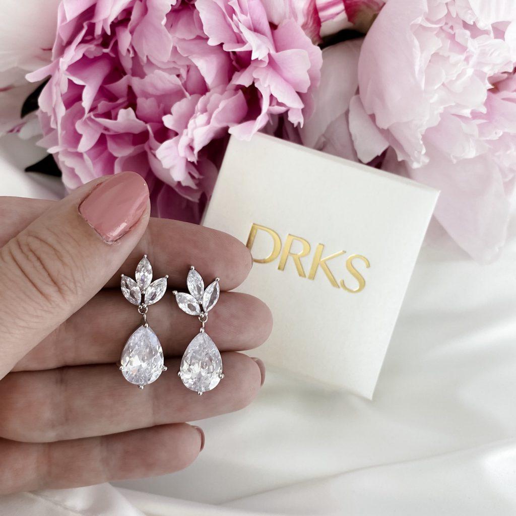 zilveren bruids oorbellen met sieradendoosje
