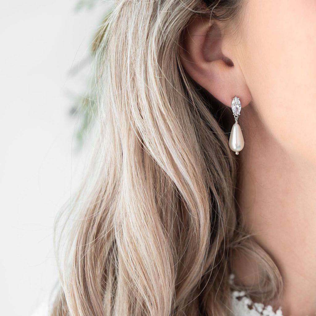 parel oorbellen met sparkle voor de bruid