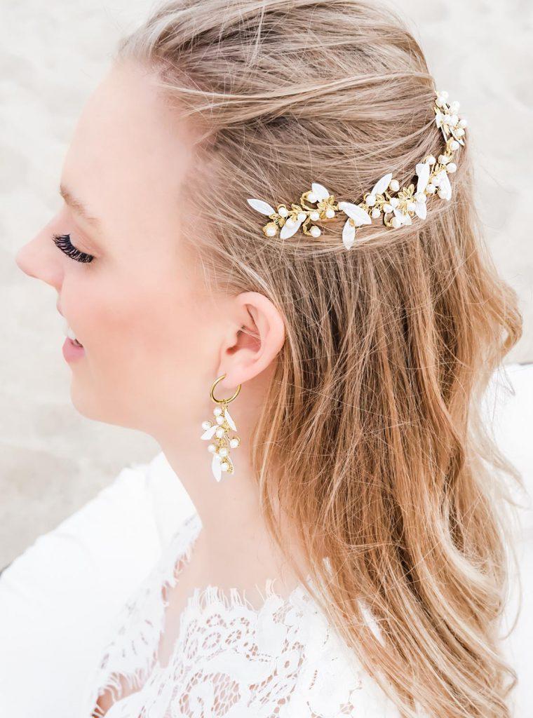 Mooie haaraccessoire voor de bruid