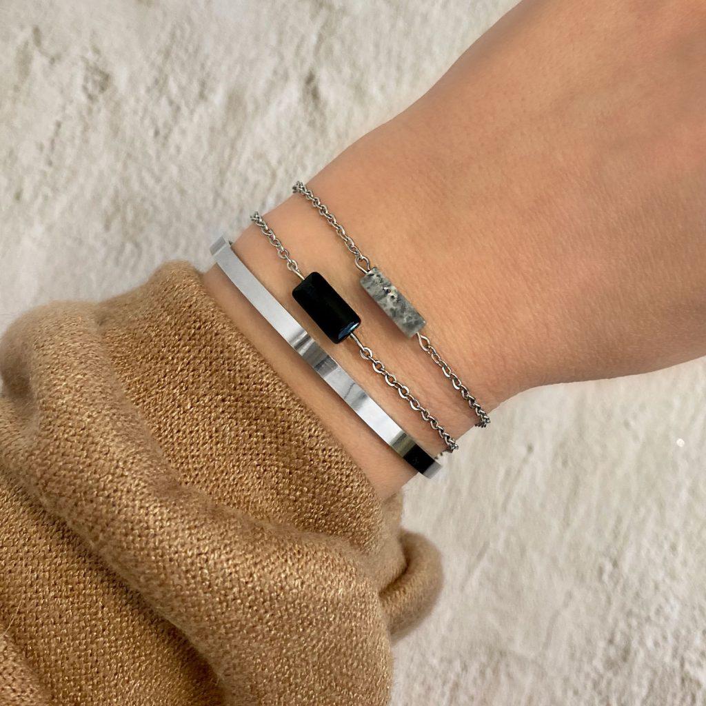 mix van zilveren armbandjes