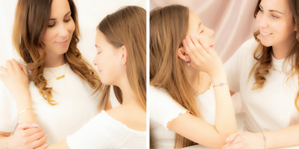 moeder en dochter met bijpassende sieraden moederdag