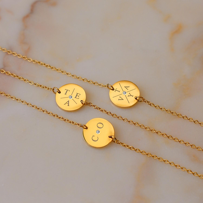 gouden initialen armbandjes met steentje